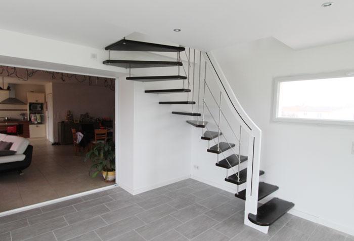 Le boedic suspendu escalier moderne for Rampe escalier moderne