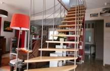 Escaliers design : île Bailleron suspendu