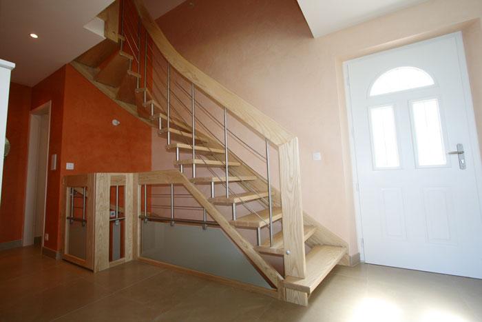 escalier suspendu le bailleron with escaliers potier. Black Bedroom Furniture Sets. Home Design Ideas