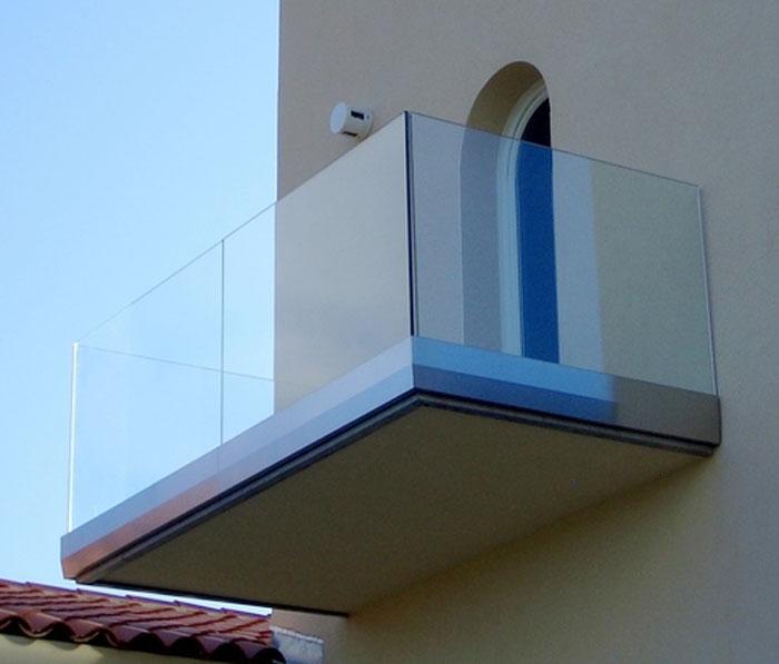Garde corps v zid for Balustrade en verre exterieur