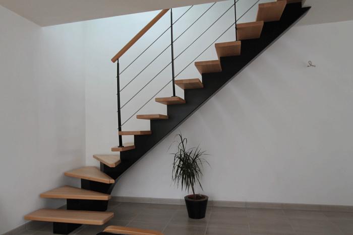 Escalier tournant (un quart) , Escalier métallique et bois