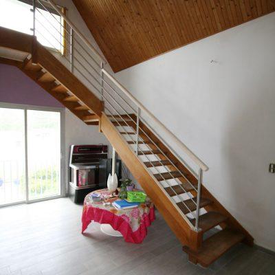 rellokage escalier bois naturel